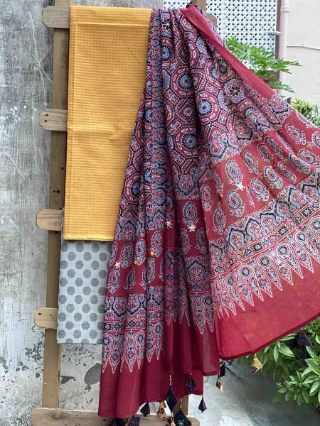 YELLOW  & GREY  COTTON MAROON HAND EMBROIDERED AJRAKH DUPATTA SET