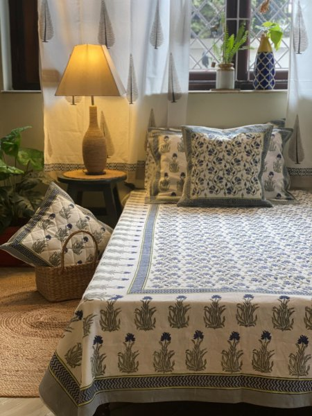 WHITE& BLUE-GREY COTTON BLOCK PRINT KING  BEDSHEET