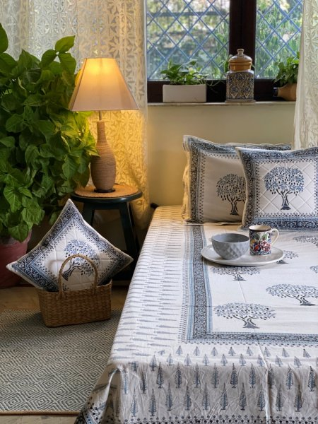 WHITE & GREYSIH-BLUE  COTTON BLOCK PRINT DOUBLE BEDSHEET