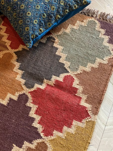 MULTI COLOR WOOL & JUTE HAND WOVEN KILIM Durrie 6 X 2 FT