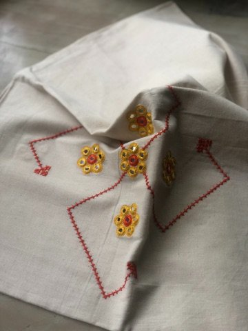 Off White Mangalgiri Cotton Embroidered Blouse